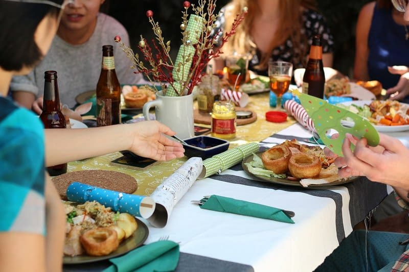 Sustainable Dinner Party - Celebrate The 9 Rs