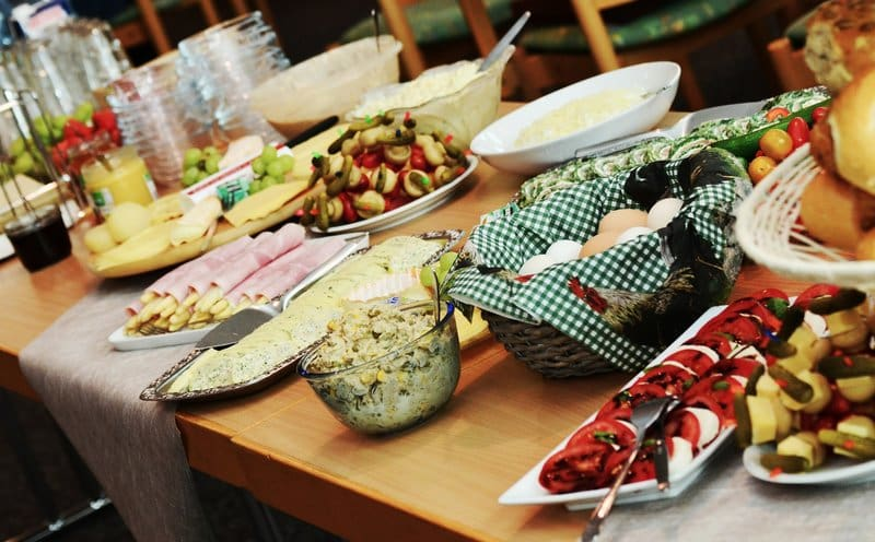 Sustainable Dinner Party - Make It A Pot Luck Party