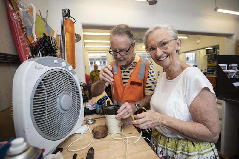 Electronic Repairs An Aussie First For Community Shed